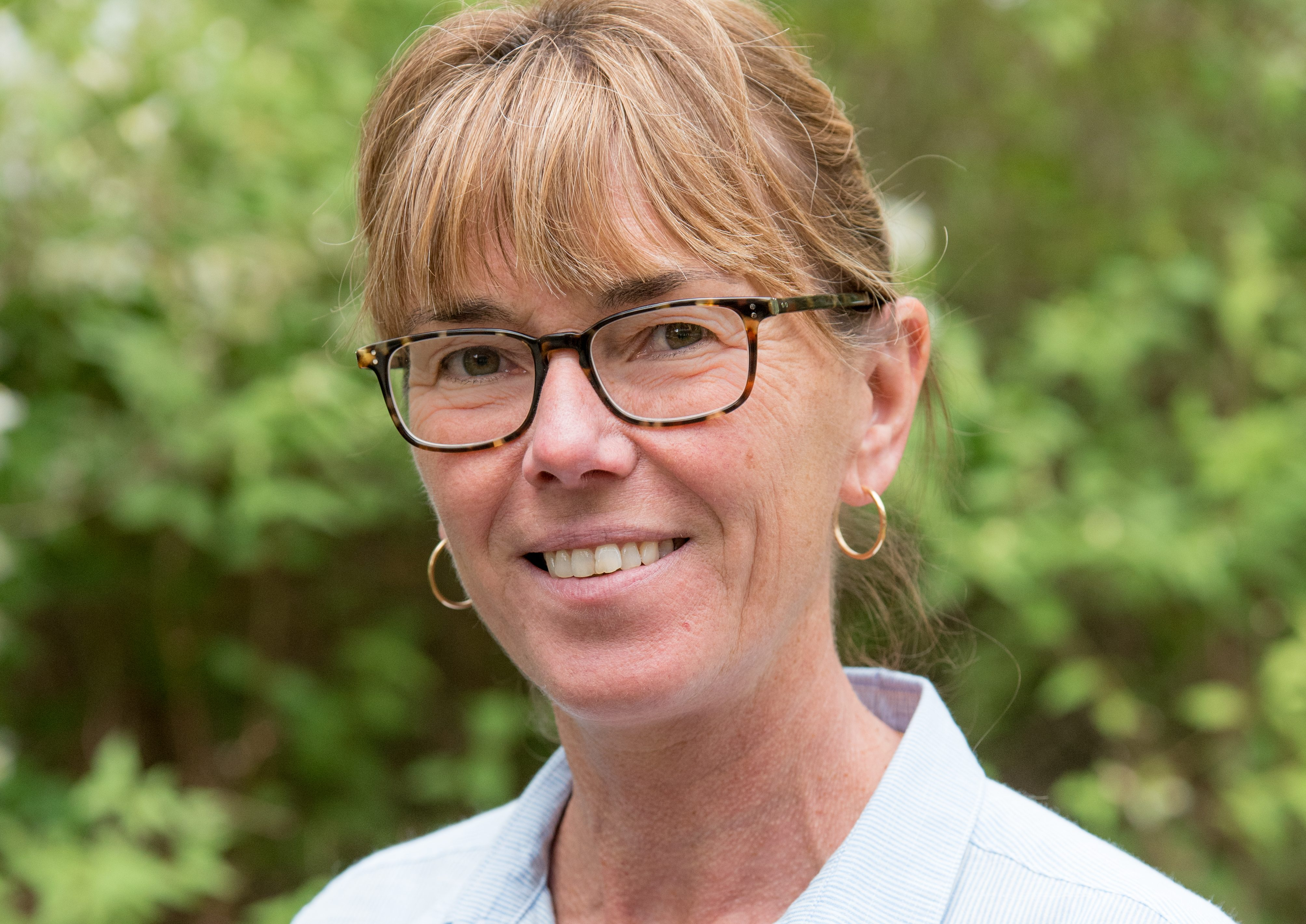 Porträttbild av Inger, ansvarig chef på kundtjänst